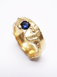 Old Jewelry, Jewelry Making, Cockpit Arts, Types Of Gemstones, London Art, Contemporary Jewellery, Yellow Gold Rings, Precious Metals, Sapphire