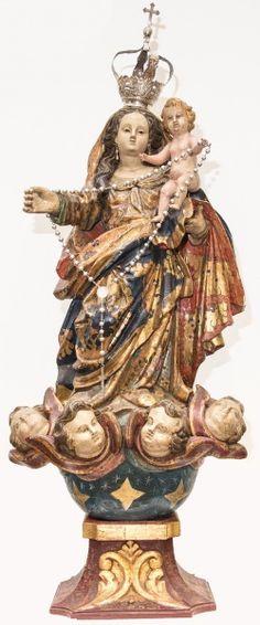 Importante imagem de Nossa Senhora do Rosário, madeira policromada. Bahia, século XIX. Alt. 93cm. Preço de venda 31.000,00