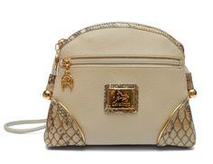 Comece a semana com uma mala da nova coleção! Start this week with a Cavalinho handbag from the new collection!!  Ref: 1100005 