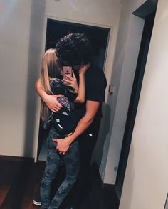 11/26/18: Sexy video Relationship Pictures, Cute Relationships, Relationship Goals, Cute Couple Pictures, Love Couple, Couple Goals, Cute Couples Teenagers, Cute Couples Goals, Easy Love Drawings