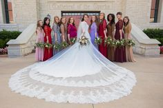 Wedding Day Jinger Duggar on her wedding day - Take a look at this gallery of Jinger and Jeremy Vuolo's wedding photos. Duggar Girls, Jinger Duggar, Duggar Family, Duggar Sisters, Joy Anna Duggar Wedding, Jessa Duggar Wedding Dress, Wedding Pics, On Your Wedding Day, Groomsmen