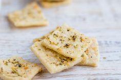 Keto Crackers Recipe, Gluten Free Crackers, Keto Snacks, Healthy Snacks, Almond Flower, Healthy Eating Habits, Tray Bakes, Keto Recipes, Baking