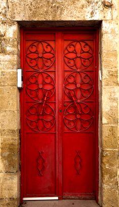 Red doors that are bold but not quite as bad as our Hangar doors! Cool Doors, Unique Doors, Entrance Doors, Doorway, Doors Galore, Windows And Doors, Red Doors, Door Detail, Jaffa Israel