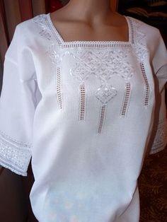 Вишиванка Жіноча Camisa Vintage, Afghan Dresses, Heirloom Sewing, White Tops, Cross Stitch Embroidery, Bridesmaid Dresses, Crochet, Model, Shopping