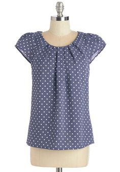 Steal the Show Top in Blue Dots. You may only be among the audience members at the aviarys new presentation, but all of the attention will be on you and your dotted top! #blue #modcloth