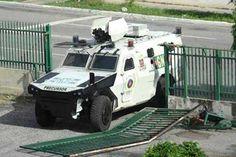 Detienen a comandante que derribó portón de residencias Valle Hondo
