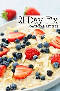 Looking for 21 Day Fix recipe ideas? Here are a bunch of ways to use oatmeal on the fix! 21 Day Fix Breakfast, Clean Eating Breakfast, Breakfast Recipes, Breakfast Fruit, Breakfast Ideas, 21 Day Fix Diet, 21 Day Fix Meal Plan, 21 Day Fix Recipies, Beachbody 21 Day Fix