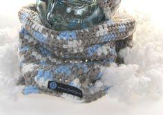 Schal geht immer! - von DaiSign  (dazu gibts auch die passende Mütze / Beanie)  http://de.dawanda.com/product/69102935-Loop-Schal-Kragen-grau---weiss---blau