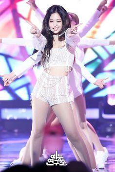 Girls Night Out Outfits, Stage Outfits, Kpop Outfits, Kim Jennie, My Little Beauty, Rapper, Blackpink Photos, Blackpink Fashion, Blackpink Jisoo
