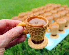 Zijn ze niet schattig? Deze leuke theekopjes van snoep kun jij nu ook thuis maken.