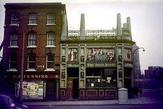 The Irish House (O'Meara's), Dublin. Demolished in the . Dublin Street, Dublin City, Love Ireland, Dublin Ireland, Erin Go Bragh, Old Photos, 1960s, Irish, Buildings