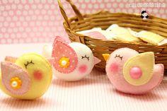 Passarinhos cor de algodão doce by Ei menina! - Erica Catarina, via Flickr