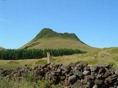 Pico Gaspar, junto à Lago do Negro, ilha Terceira, Açores, Portugal - List of volcanoes in Portugal - Wikipedia