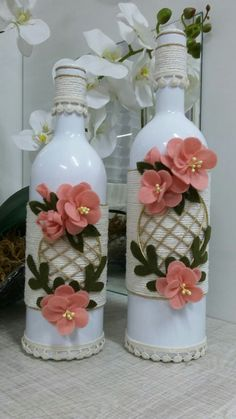 Recycled Glass Bottles, Glass Bottle Crafts, Wine Bottle Art, Painted Wine Bottles, Diy Bottle, Flower Arrangement Designs, Glass Painting Designs, Diwali Craft, Decoupage Box