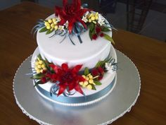 You have to see Australian native wedding cake on Craftsy! - Looking for cake decorating project inspiration? Check out Australian native wedding cake by member Sanitycakes. Icing Flowers, Sugar Flowers, Creative Cakes, Creative Food, Wildflower Cake, Christmas Cake Decorations, Christmas Cakes, Australian Christmas, Cupcakes