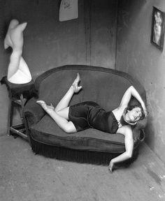 André Kertész, Danseuse burlesque (satyric dancer), Paris, 1926