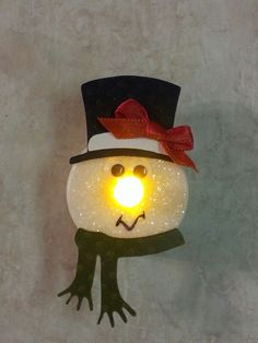 Christmas DIY Decorations Easy and Cheap – Snowmen Candle Holders Christmas Tea, Christmas Crafts For Kids, Christmas Projects, Holiday Crafts, Christmas Holidays, Handmade Christmas Decorations, Diy Christmas Ornaments, Tea Light Snowman, Snowman Crafts