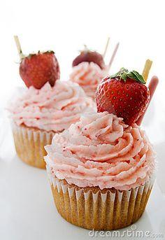 strawberry cupcakes-yum!