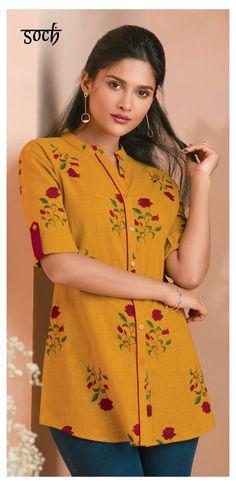 Plain Kurti Designs, Short Kurti Designs, Simple Kurti Designs, Tunic Designs, Stylish Dress Designs, Kurta Designs Women, Designer Kurtis, Top Chic, Stylish Tops For Women