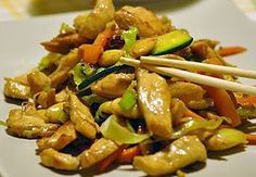 Fried chicken and vegetables WW- Sauté de Poulet et Légumes WW Sauteed chicken and vegetables WW, recipe of a good jumbled Asian chicken full of flavor, really delicious, and perfect to serve with cooked rice - Lunch Recipes, Meat Recipes, Asian Recipes, Healthy Dinner Recipes, Chicken Recipes, Recipe Chicken, Plats Weight Watchers, Weight Watchers Meals, Vegetable Soup Healthy