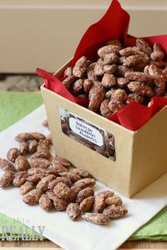 Roasted Cinnamon Almonds - a great edible homemade Christmas Gift