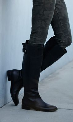 Luxurious leather riding boot