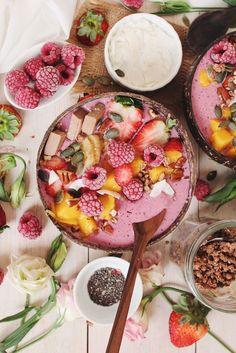 Raspberry White Chocolate Smoothie Bowl
