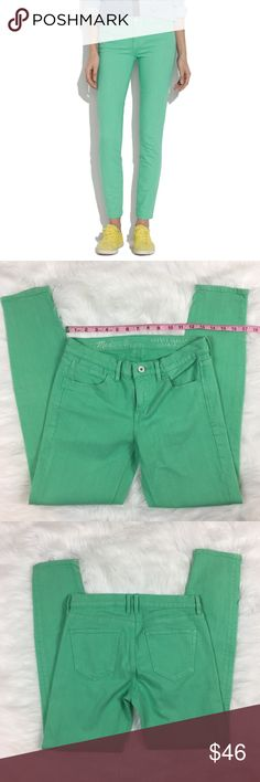 Madewell Skinny Skinny Ankle Jeans in Soft Mint Madewell Skinny Skinny Ankle Jeans in Soft Mint. Size 26 with 28' inseam and 8' rise. Pre-owned condition with some wash fading a wear.  ❌I do not Trade 🙅🏻 Or model💲 Posh Transactions ONLY Madewell Jeans Skinny