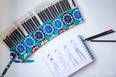 Sketching fashion - Sew a Pencil Roll - DIY Crayon Roll - Tutorial by Melly Sews Roll Up Pencil Case, Diy Pencil Case, Sewing Projects For Beginners, Sewing Tutorials, Sewing Ideas, Crayon Roll Tutorial, Diy Tutorial, Project Ideas, Craft Ideas