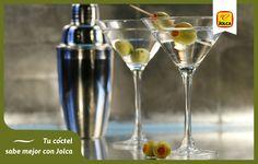 El vermú con ginebra o vodka y unas aceitunas es uno de los aperitivos más clásicos de Italia.   En Jolca te recomendamos cómo preparar y tomar esta perfecta combinación: http://bit.ly/1k9IwyC