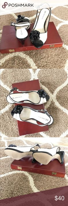 ef17fabe2e33 Shop Women s Anne Klein Black Cream size 7 Heels at a discounted price at  Poshmark. Black and Cream in Color
