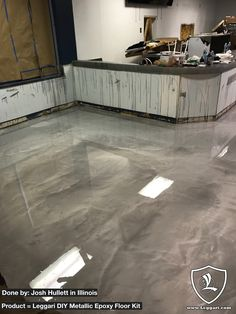 Your basement flooring options are not really any different from the flooring options elsewhere in your home. Everything from ceramics to hardwood, all are possible choices for your basement floor… Epoxy Concrete Floor, Epoxy Floor Basement, Basement Flooring Waterproof, Basement Flooring Options, Metallic Epoxy Floor, Stained Concrete, Diy Concrete, Floor Design, Home Remodeling