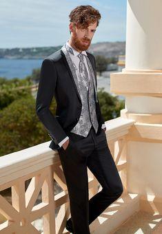 Fashion Suits, Mens Fashion, Mens Suits, Suit Men, Groom Attire, Suit And Tie, Gentleman Style, Mens Clothing Styles, Wedding Suits