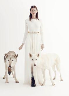 Visual optimism 100% pure couture: Amanda Murphy by Benjamin Alexander Huseby for V #92 winter 14.15