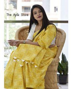 Cotton Saree Blouse Designs, Saree Tassels Designs, Saree Kuchu Designs, Simple Saree Designs, Simple Sarees, Formal Saree, Casual Saree, New Fashion Saree, Saree Poses