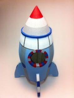Neat rocket ship birdhouse