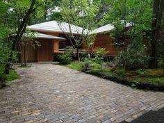 Karinsou 2010|華林荘 堀部安嗣 Floor Design, House Design, Modern Japanese Architecture, Traditional Japanese House, Thai House, Japan Garden, Small Courtyards, Wooden House, Garden Planning