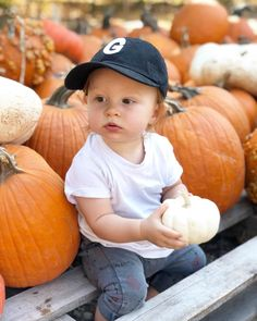 Took our little pumpkin to the patch today ✌🏻 Monthly Pictures, Fall Pictures, Little Pumpkin, Family Pics, Fall Decorating, Fall Harvest, Picture Ideas, Photography Ideas, Short Hair