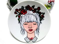 Handmade by Do : Painted plates-girls/ Farfurioare pictate- fete Painted Mugs, Hand Painted Plates, Hand Painted Ceramics, Greek Pattern, Ceramic Angels, Flower Stands, Painting Of Girl, On October 3rd, Coffee Set