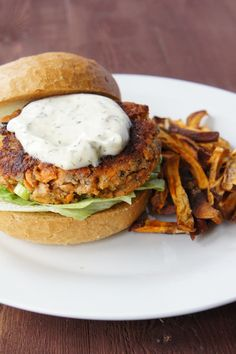 Salmon Burgers with Dill Mayonnaise  ☻  ✿. ✿