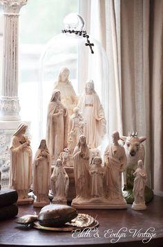 Catholic home decorations Home Altar Catholic, Roman Catholic, Religious Icons, Religious Art, Madonna, La Sainte Bible, Sainte Therese, Prayer Corner, Religion