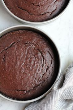 Sour Cream Chocolate Cake with a rich and delicious chocolate buttercream frosting!! Rich, moist and delicious.