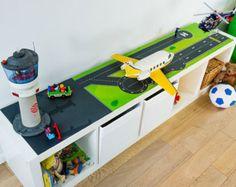 Speeltafel voor uw kinderkamer: meubilair sticker door Limmaland