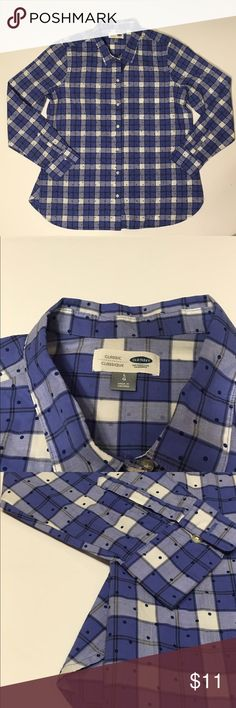 """⭐️SALE⭐️Old Navy Classic Button Up Shirt Old Navy classic button up shirt • Size L • Plaid with polka dots • sleeves measure 25"""" • Great condition! Old Navy Tops Button Down Shirts"""
