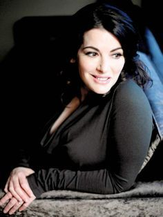 Nigella Lawson's curves - Inspiration for Sam  https://eviesnow.net/stuck-on-you/