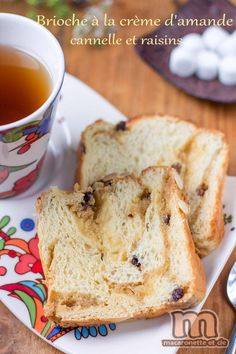 Brioche à la crème d'amande - cannelle et raisins - Macaronette et cie Muffins, Cupcakes, Raisin, French Toast, Food And Drink, Nutrition, Bread, Homemade, Dinner