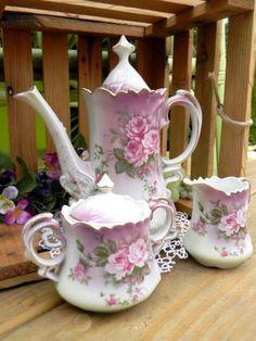 Vintage Lefton Teapot.