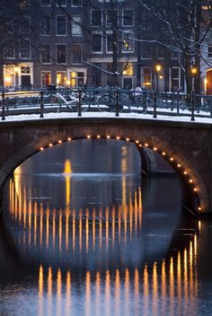 Amsterdam's canals at Christmas in the snow. http://www.redsevenleisure.co.uk/stag-weekends/amsterdam/?AffiliateID=13