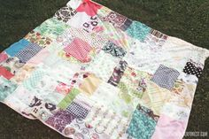 "They don't call this the ""poor man quilt"" for no reason! Here's how to make a cute quilt on the cheap!"