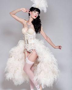 Burlesque Theme, Burlesque Outfit, Burlesque Costumes, Halloween Costumes, Showgirl Costume, Underbust Corset, Satin Blouses, Vintage Glamour, Showgirls